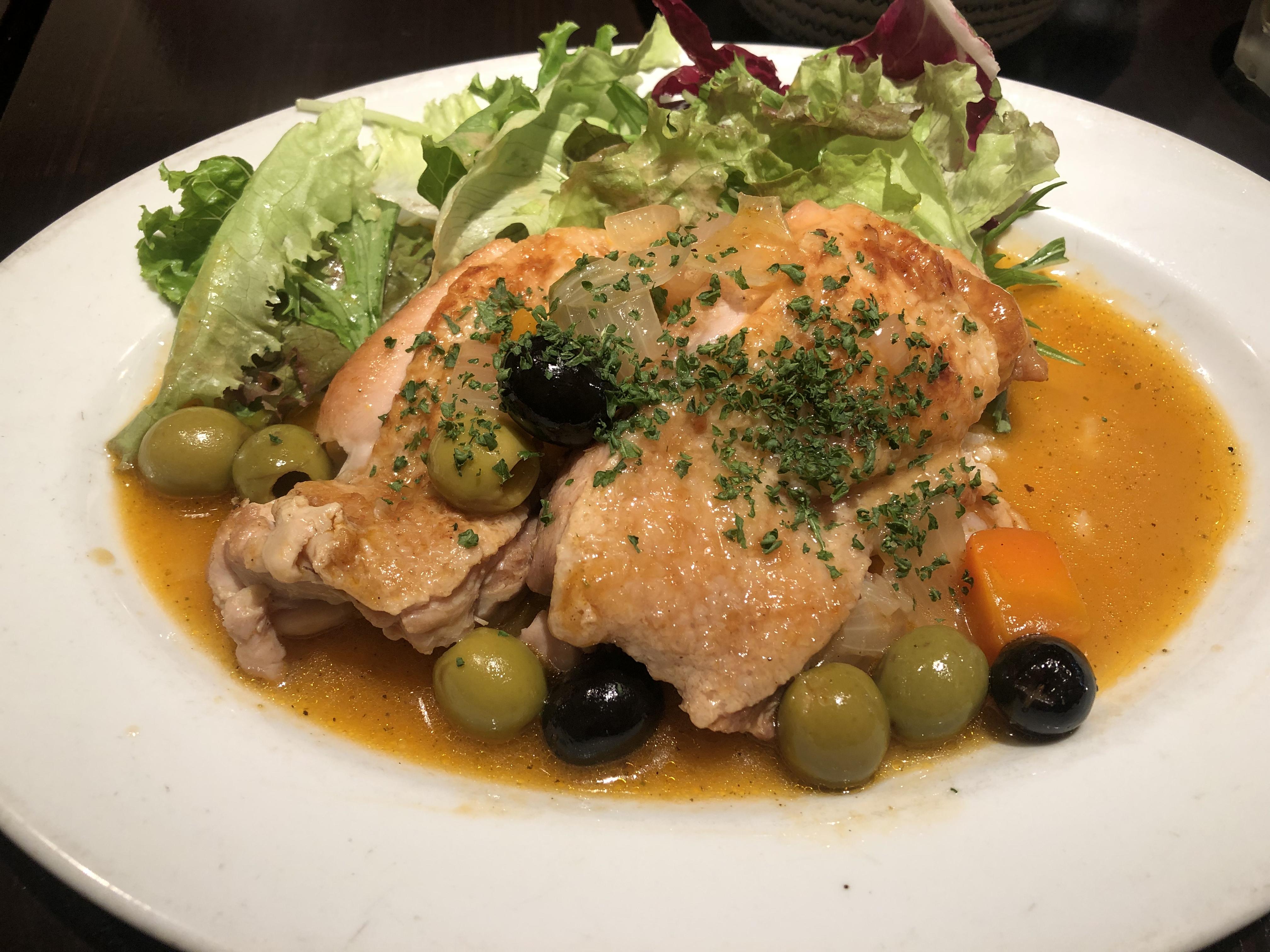 Les pif et dodine (レピフエドディーヌ) 鳥もも肉のプロヴァンス風煮込み